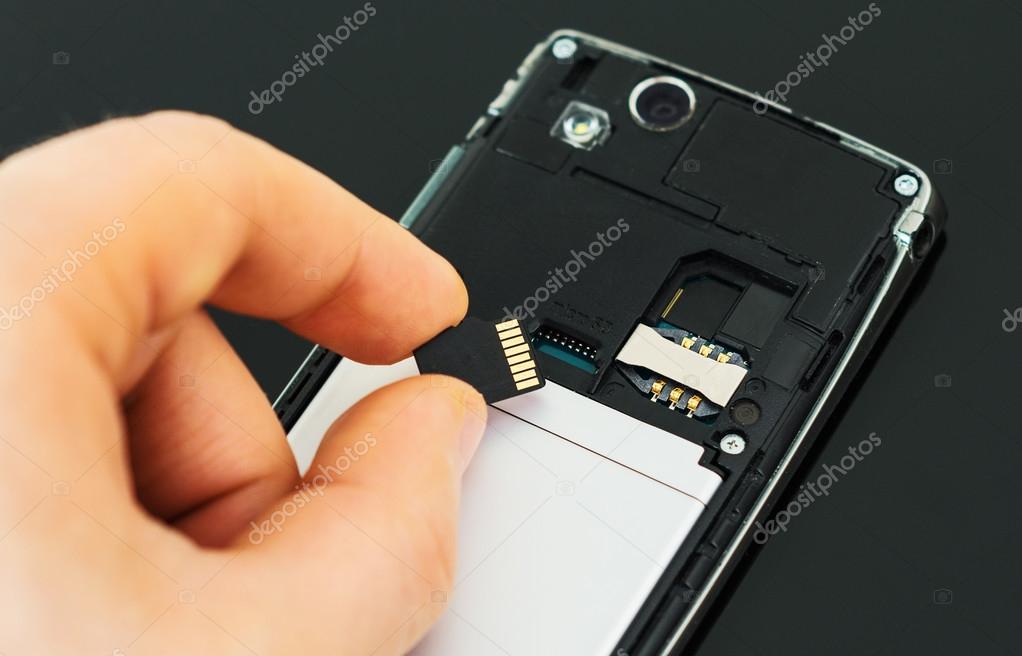 Geheugen van een smartphone wordt uitgebreid met een geheugenkaart